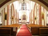 Wnętrze kościoła-2